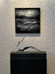 ARCTIC NIGHT/ Silver leaf and oil on canvas (Ten Krooden) ARCTIC FRAGMENT/ Stainless steel (Swart)
