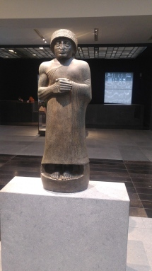 Gudea from Iraq: Wearing a Royal bonnet, his hands clasped at waist-level, Gudea is shown at prayer. This pious king ruled the state of Lagash in the south of Mesopotamia. Neo Sumerian kingdom Iraq, Girsu (modern Tello) about 2120 BCE